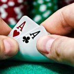 keuntungan bermain poker